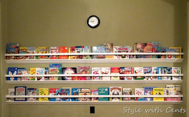 Raingutter Bookshelf With Crown Molding2
