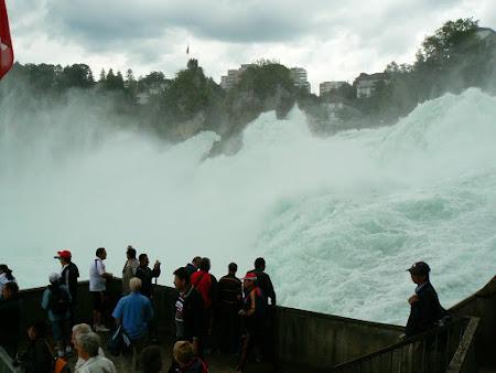 Obiective turistice Elvetia: cascada Rinului