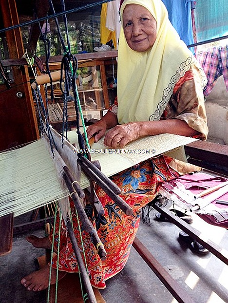 Che Minah Songket Retail Store largest Songket weaving factories Kota Bahru live demonstrations hand-woven intricately patterned silk or cotton brocade fabric gold silver threads luxurious fabrics sophisticated designs