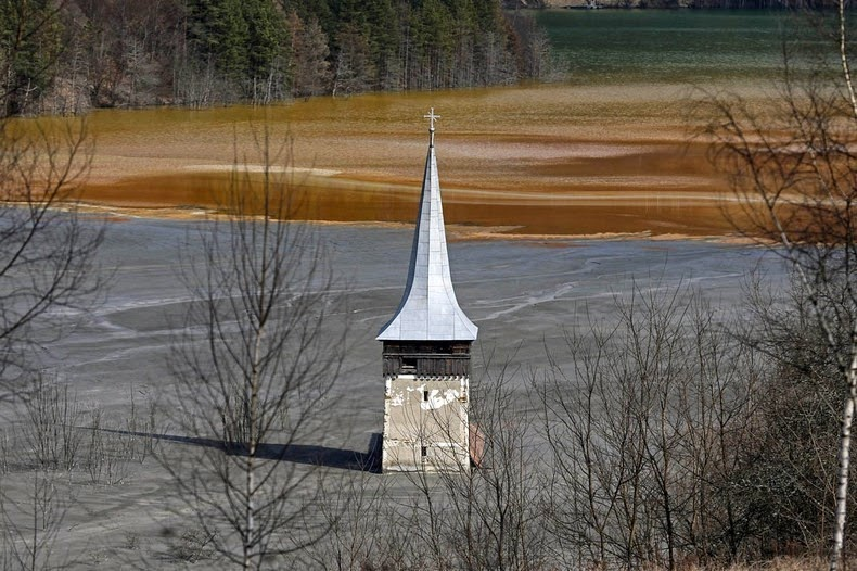 Geamana The Romanian Village Flooded By A Toxic Lake