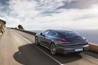 Porsche-Panamera-Turbo-S-02.jpg