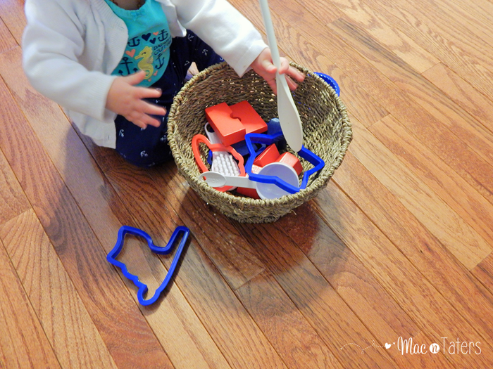 Red White & Blue Treasure Discovery Basket2