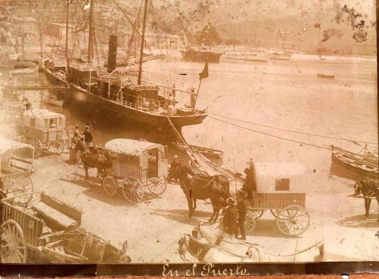 Antigua foto del puerto de Soller, en donde se aprecia el vapor LEON DE ORO. Foto cortesia de Michel Waller.jpg