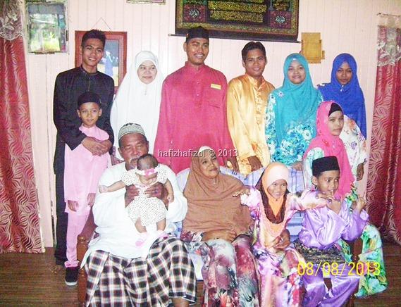 Keluarga Besar Berhari Raya