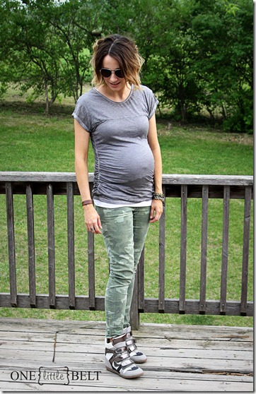 camo-wedge-sneakers-maternity-style3