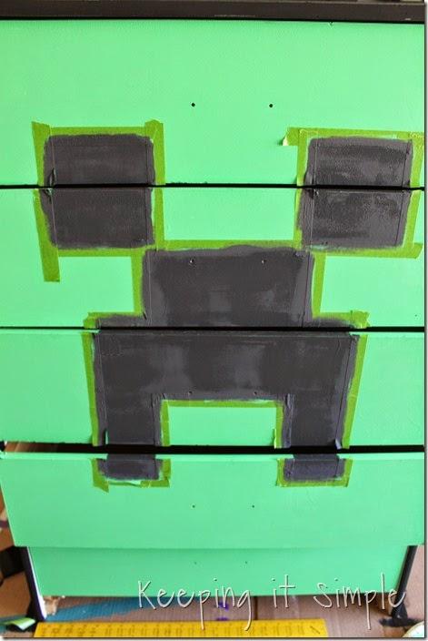 Minecraft Creeper Dresser with DecoArt Chalk Paint (5)