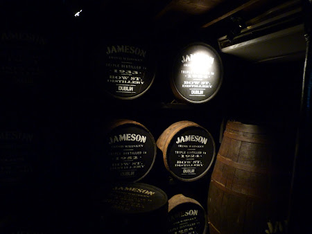 Imagini Irlanda: butoaie Jameson