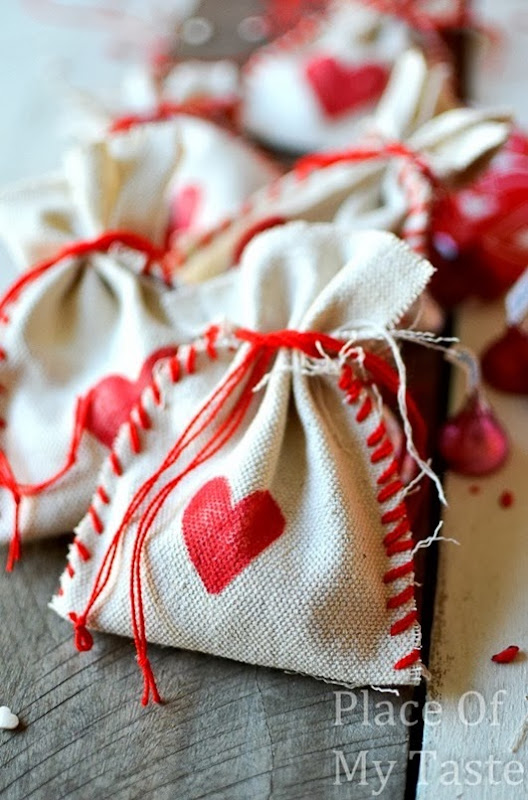 Stitched-Valentines-Treat-Bags-30