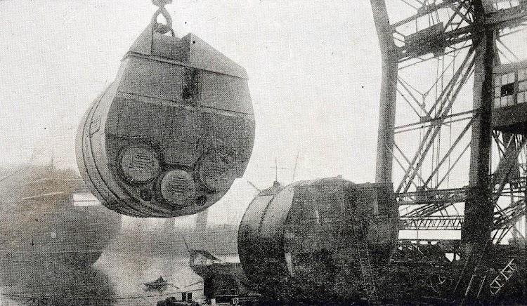 Calderas para las maquinas del CRISTOBAL COLON. Foto del LIBRO DE INFORMACIÓN PARA EL PASAJERO. COMPAÑÍA TRASATLANTICA DE BARCELONA. AÑO 1923.jpg