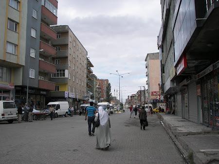 Imagini Anatolia: strada principala Dogubeyazit
