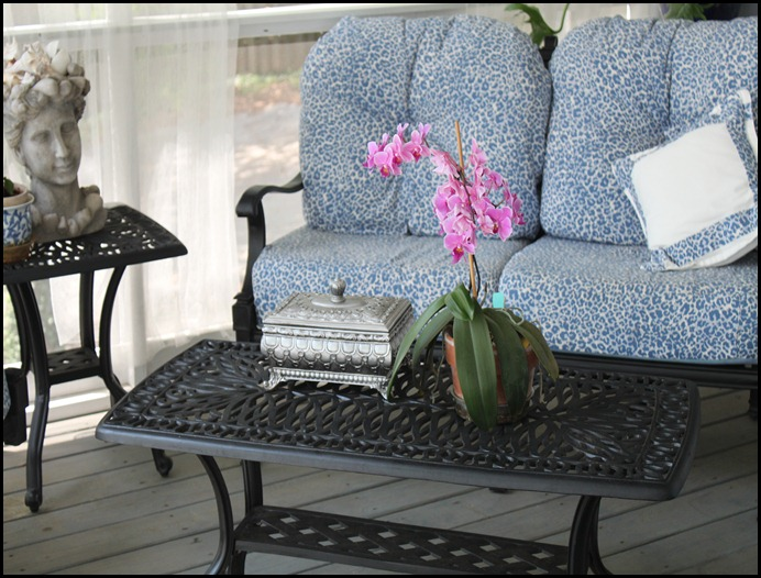 screened porch coffee table