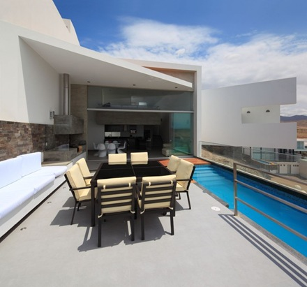piscina-casa-l-5-vertice-arquitectos