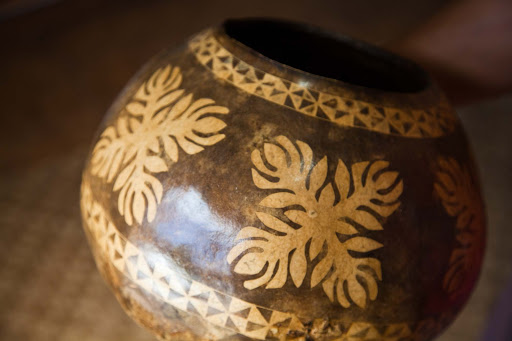 gourd-Hawaiian-traditional-design - Gourds, an important part of traditional Hawaiian culture, served in ancient days as water containers, bowls and household items.