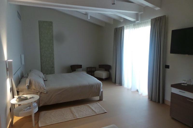 calacuncheddi-hotel-Costa-Smeralda-sardegna-travel