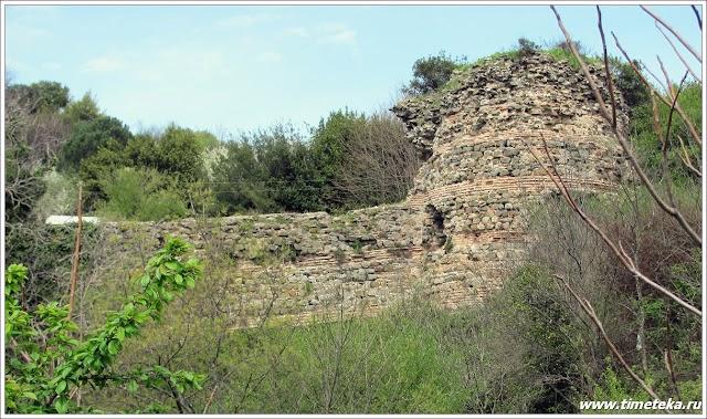 Каменные стены Yoros'a. www.timeteka.ru
