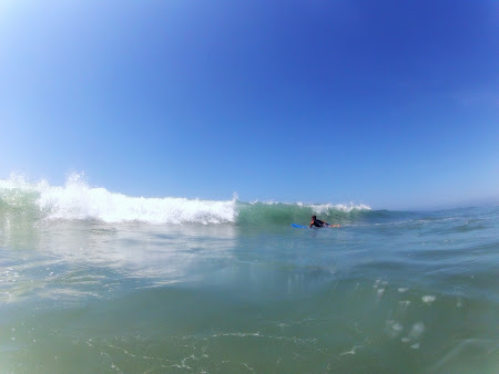 Facand surf in California