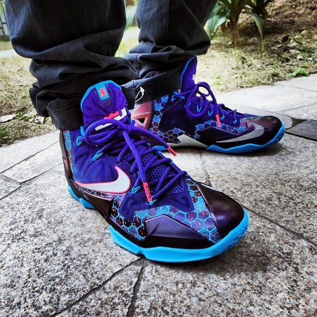 the latest cd7c2 77306 ... First Look at Nike LeBron 11 Summit Lake Hornets 616175500 ...