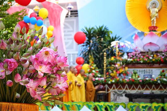 IMG 1729 Đại lễ Phật đản PL 2557 tại Tu viện Quảng Hương Già Lam