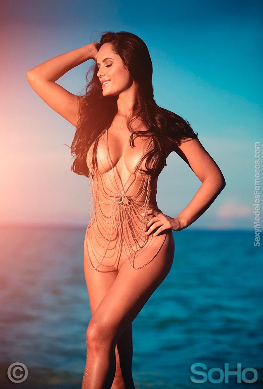 ana lucia hot desnuda