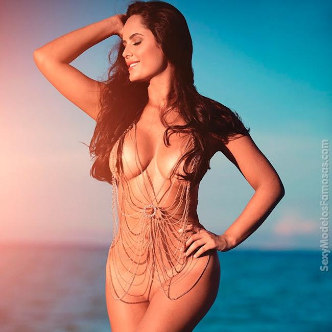 Ana Lucia Dominguez Desnuda SoHo Foto 36