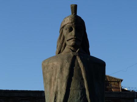 Brand turistic Romania: statuie Vlad Tepes
