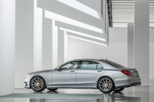 2014-Mercedes-Benz-S63-AMG-17.jpg