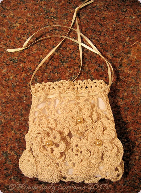 09-12-ecru-purse-finished