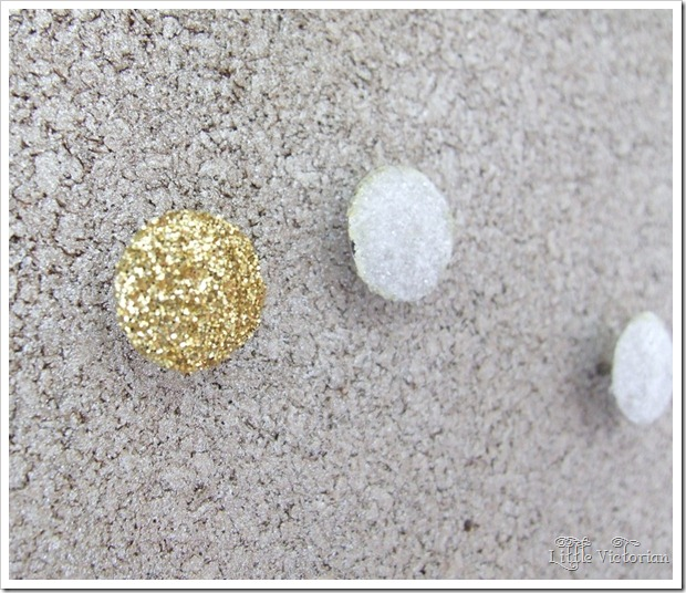 DIY glitter push pins