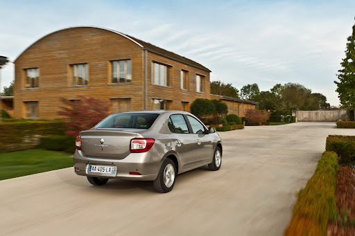 2013-Renault-Symbol-07.jpg