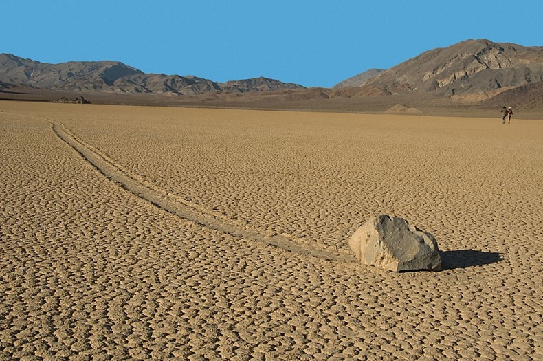 sailing-stones-death-valley-3