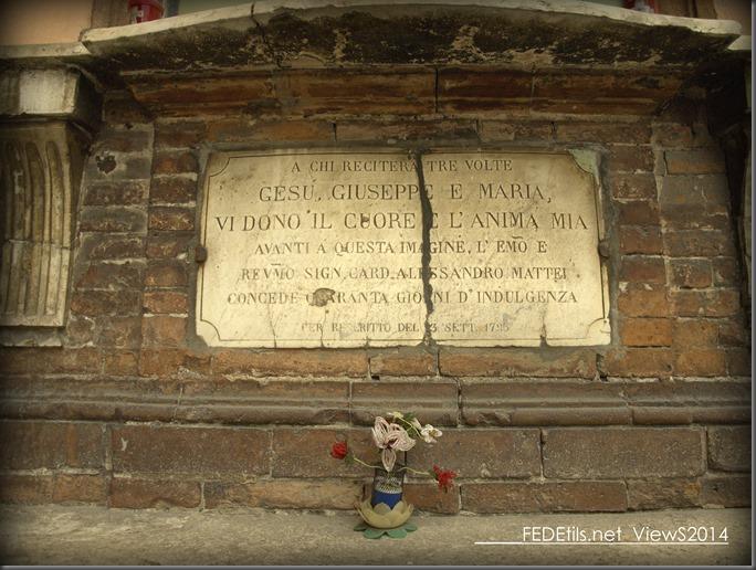 Altare in Via Carlo Mayr, Ferrara , Italy, Photo2