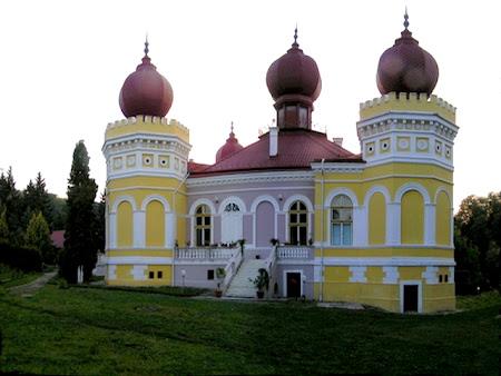 Obiective turistice Romania: Castelul Bethlen din Arcalia