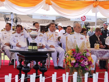 32. Inaltele oficialitati thailandeze.JPG