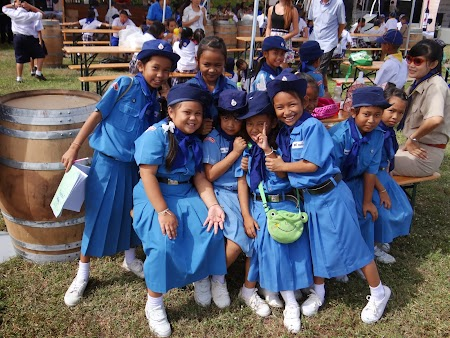 12. Scolari thailandezi.JPG