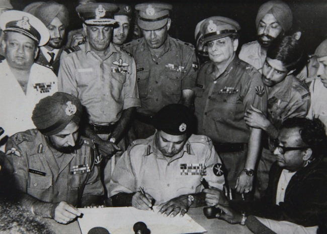 Pakistan Army surrendering to India after losing the war in Bangladesh in 1971