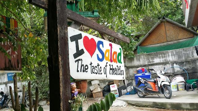 Schild des Restaurants I love Salad