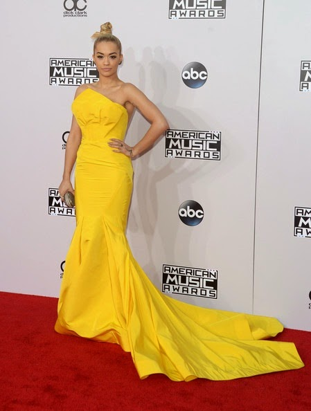 Rita Ora attends the 2014 American Music Awards (2)