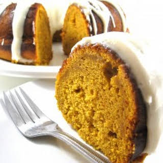 Dreamy, Skinny Pumpkin Cake with Cream Cheese Frosting.
