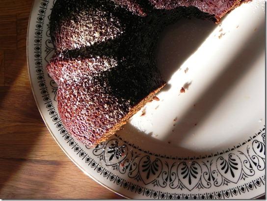vegan-black-sticky-gingerbread-2