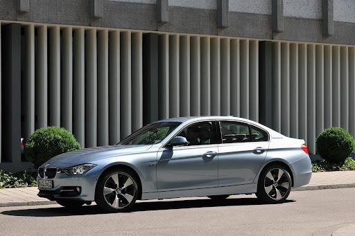2013-BMW-AcitveHybrid-3-01.jpg