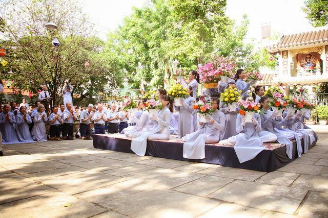 IMG 1841 Đại lễ Phật đản PL 2557 tại Tu viện Quảng Hương Già Lam