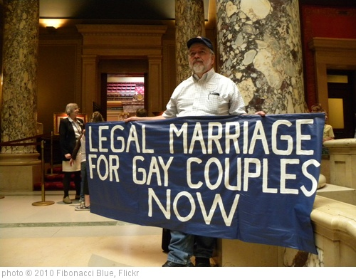 'Gay marriage protester outside the Minnesota Senate chamber' photo (c) 2010, Fibonacci Blue - license: http://creativecommons.org/licenses/by/2.0/