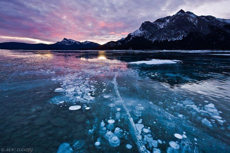 Resultado de imagen para Abraham lake canada