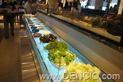 Vikings Luxury Buffet MOA036