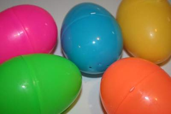 easter-eggs-plastic