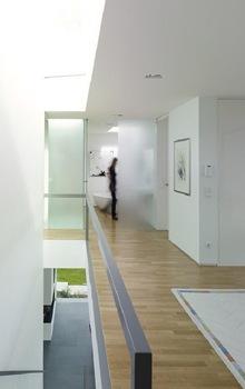 decoracion-minimalismo-casa-diseño-Puristische-Villa