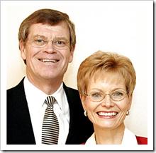 2005年丹尼斯Brimhall和妻子琳达