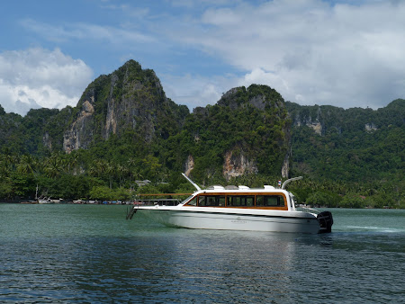 Barci in Thailanda: Railay East Beach