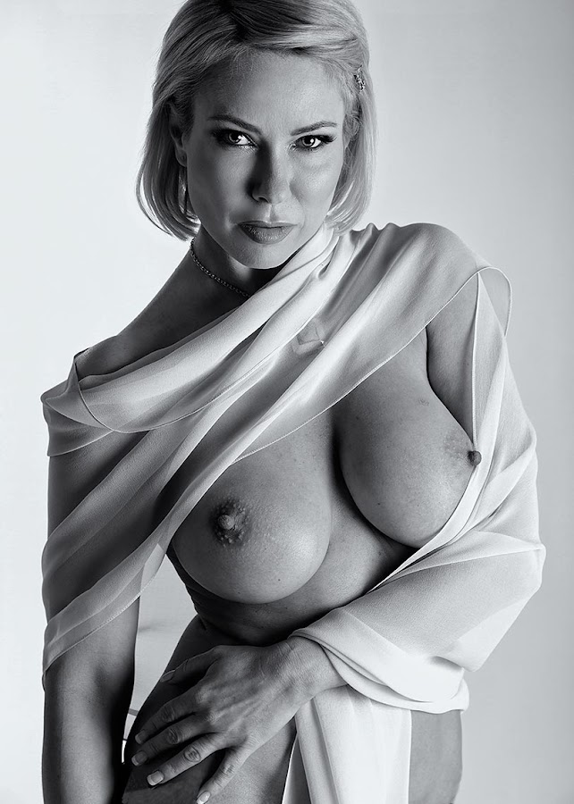 by Sheldon Bell - Nudes & Boudoir Artistic Nude