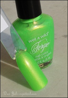 00 Wet'n'Wild  Fergie Collection Glowstick